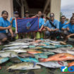UNDERWATER FISHERS GRAB DOUBLE-GOLD